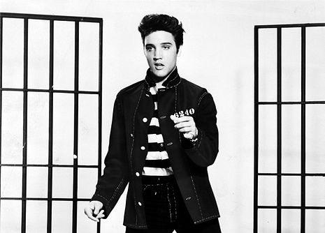 Elvis_Presley_promoting_Jailhouse_Rock (1)